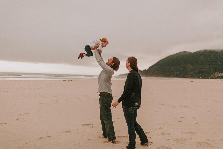 Nehalem Bay State Park family session Oregon photographer (122).jpg