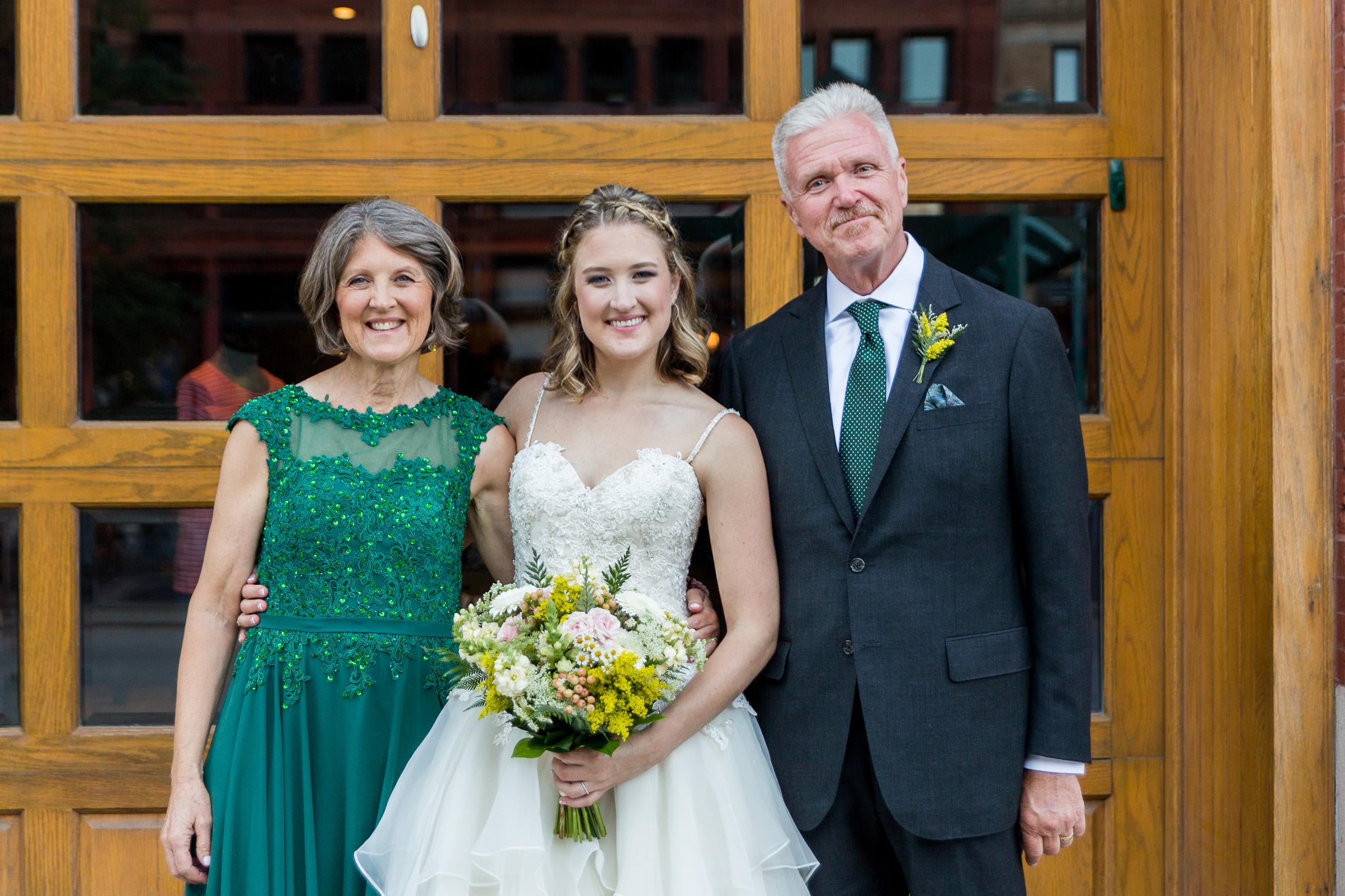 carly and david milwaukee wisconsin wedding cuvee van gachnang