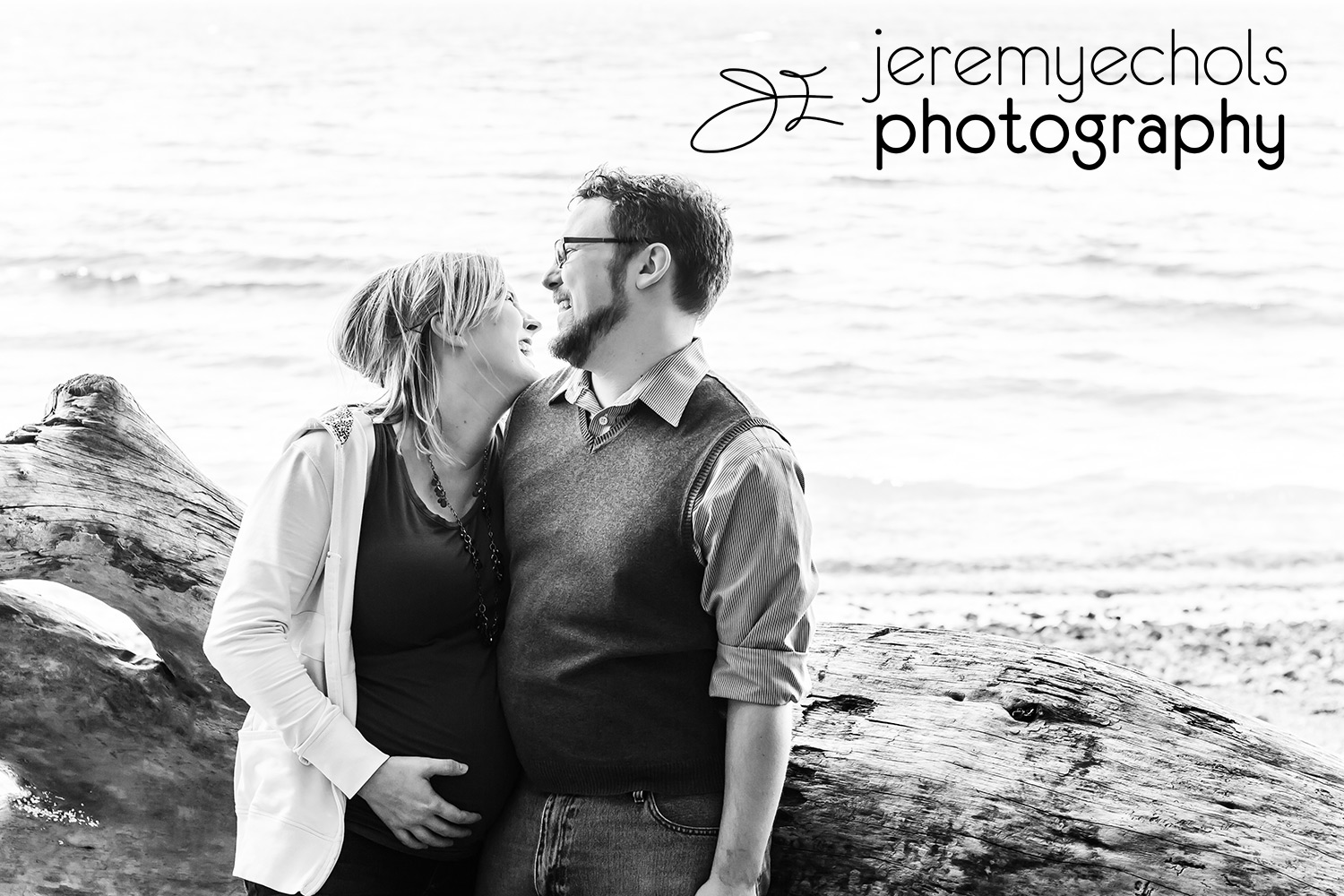 Seattle_Maternity_Photography_Couple.jpg