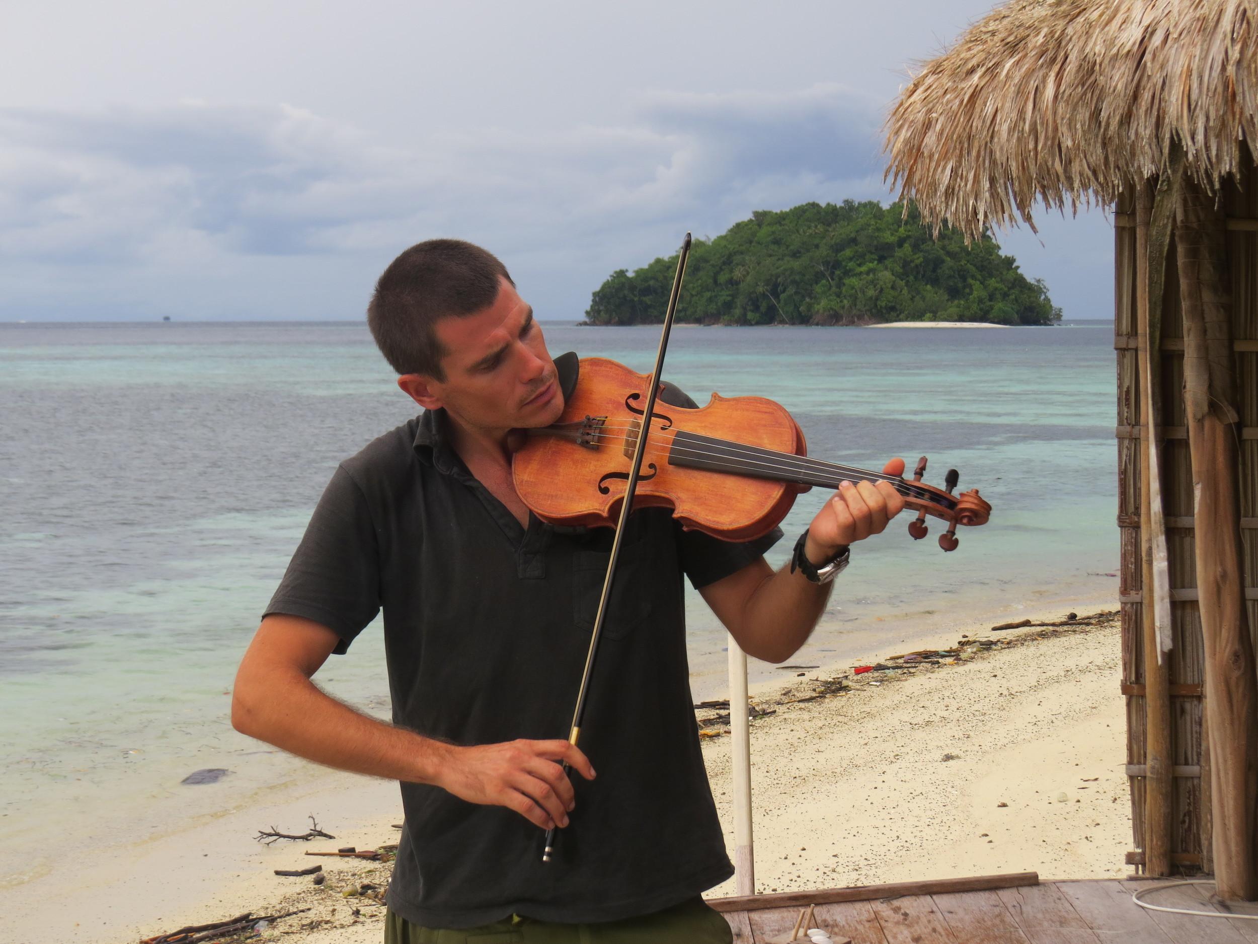 Beach music Batanta style