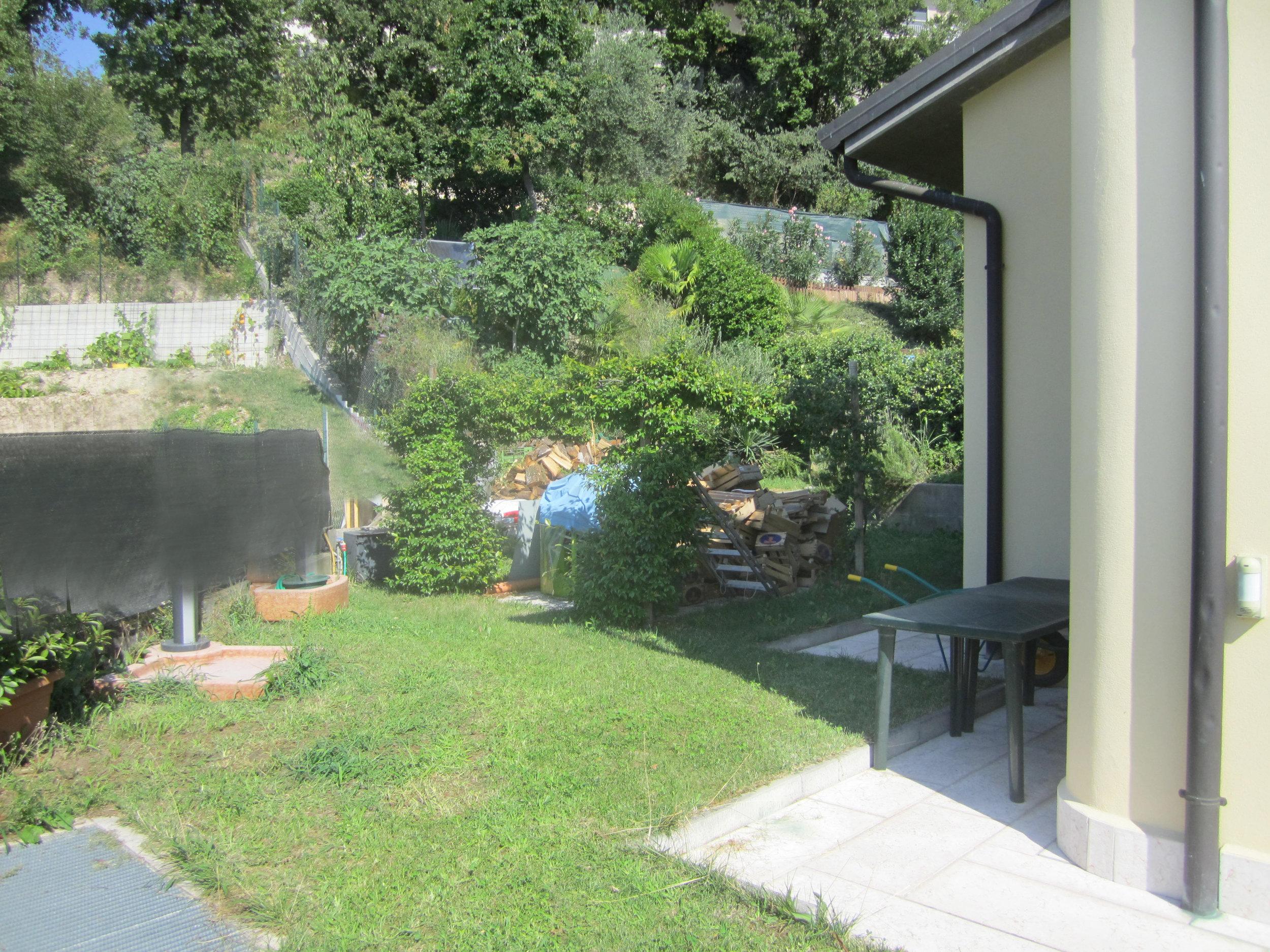 giardino_privato_foto_esterno_cortile