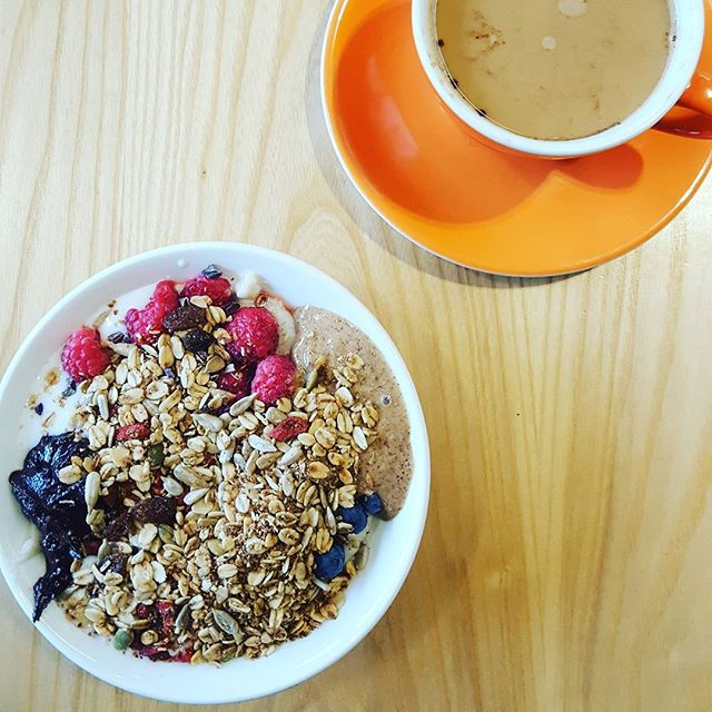 Last breakfast with my bestie before my flight 🛩✈✈ #thehappypear