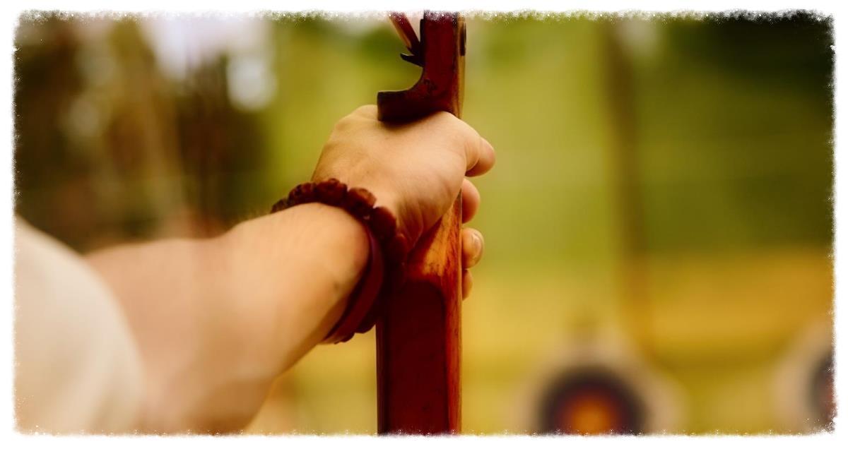Arrow_Close_Up_Archery_HD_Wallpaper_Vvallpaper.Net.jpg