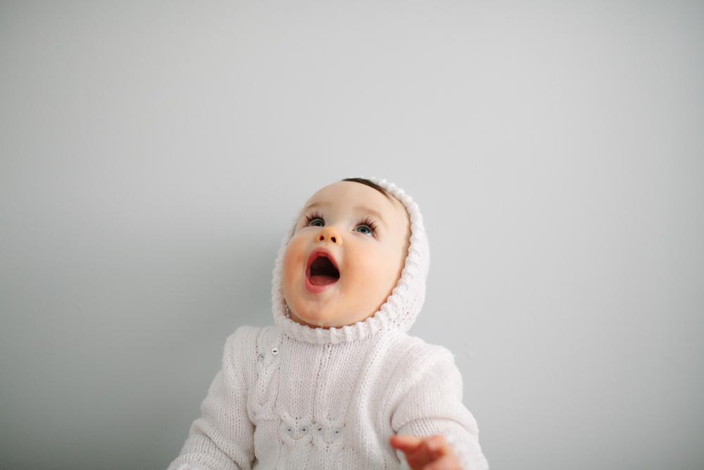 finley_baby_photos_white_sweater_9242.jpg