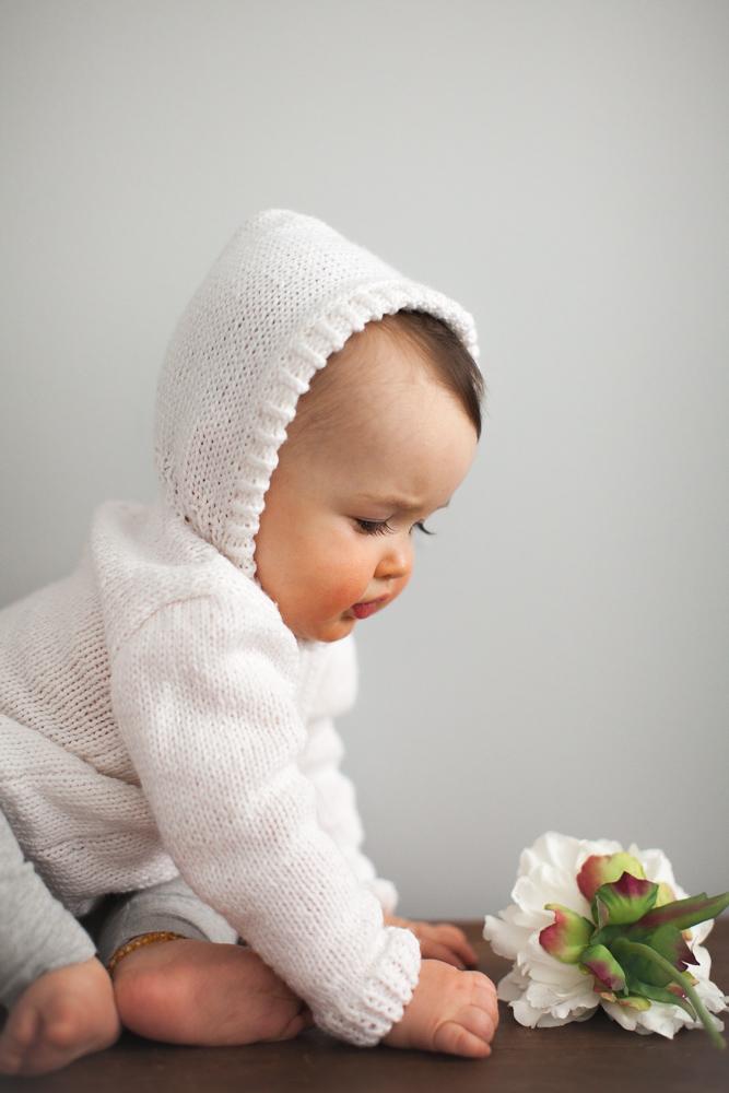 finley_baby_photos_white_sweater_9600.jpg