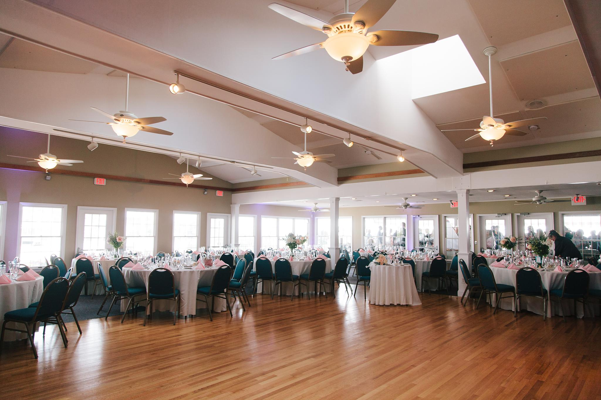 brant_beach_yacht_club_wedding_long_beach_island_nj_wedding_photographer_650.jpg