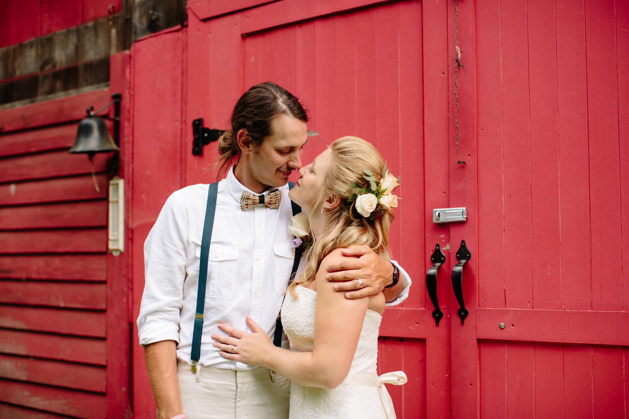 TUNKHANNOCK_PA_WEDDING_PHOTOGRAPHER_YOUNG_WEDDING_3983.jpg