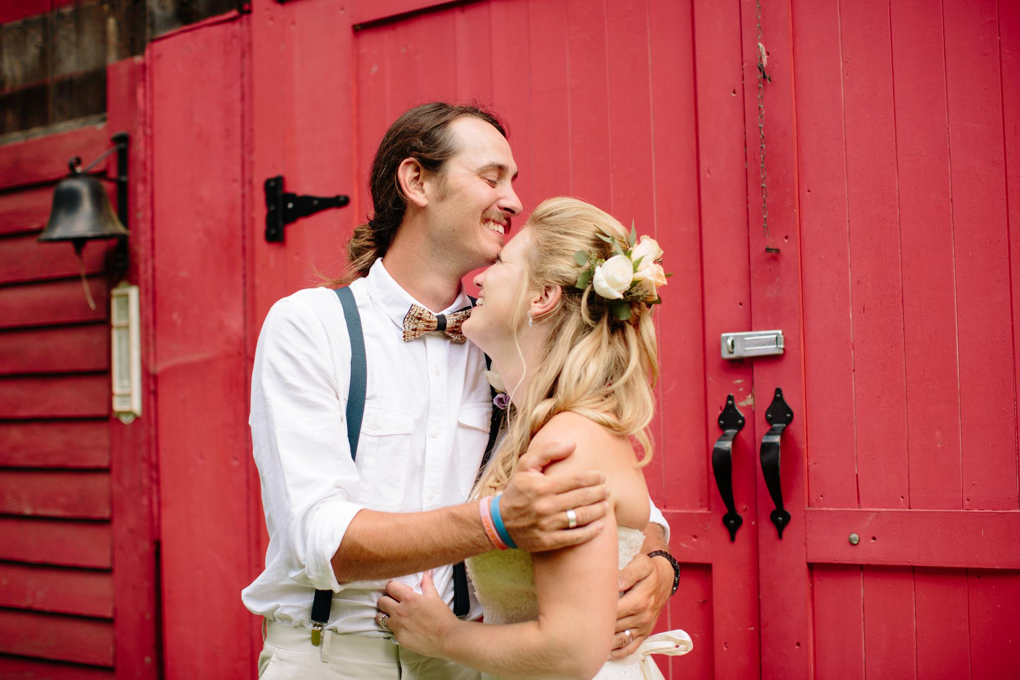 TUNKHANNOCK_PA_WEDDING_PHOTOGRAPHER_YOUNG_WEDDING_3994.jpg