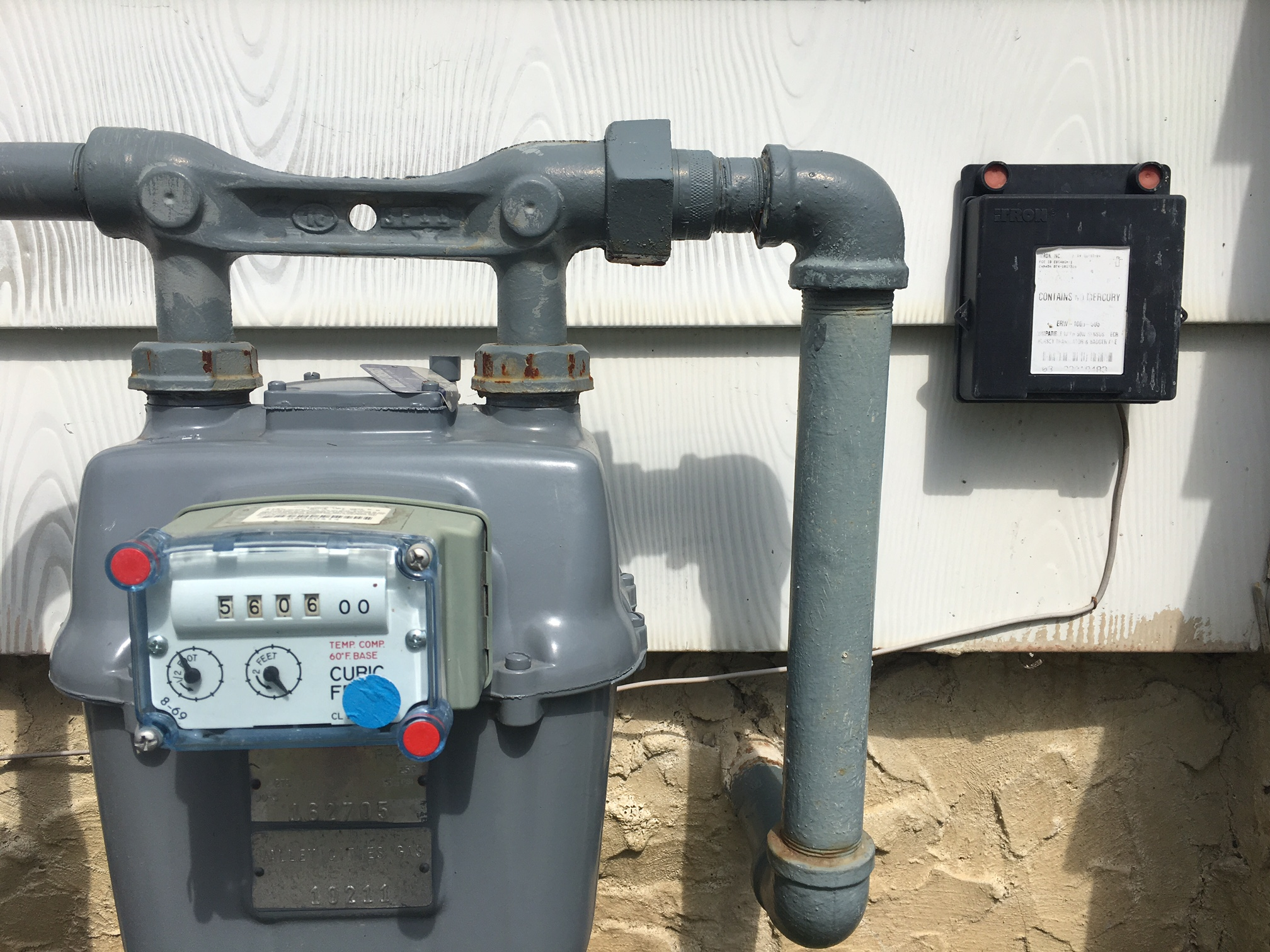 Here's a photo of a smart gas meter which thankfully only transmits a signal once a month, which makes it different than a typical smart meter, which transmits at regular and frequent intervals throughout the course of the day and night.