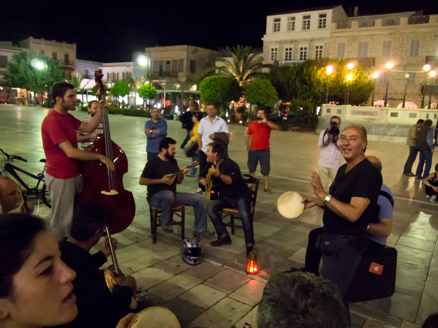 Musicians in Miaouli Square