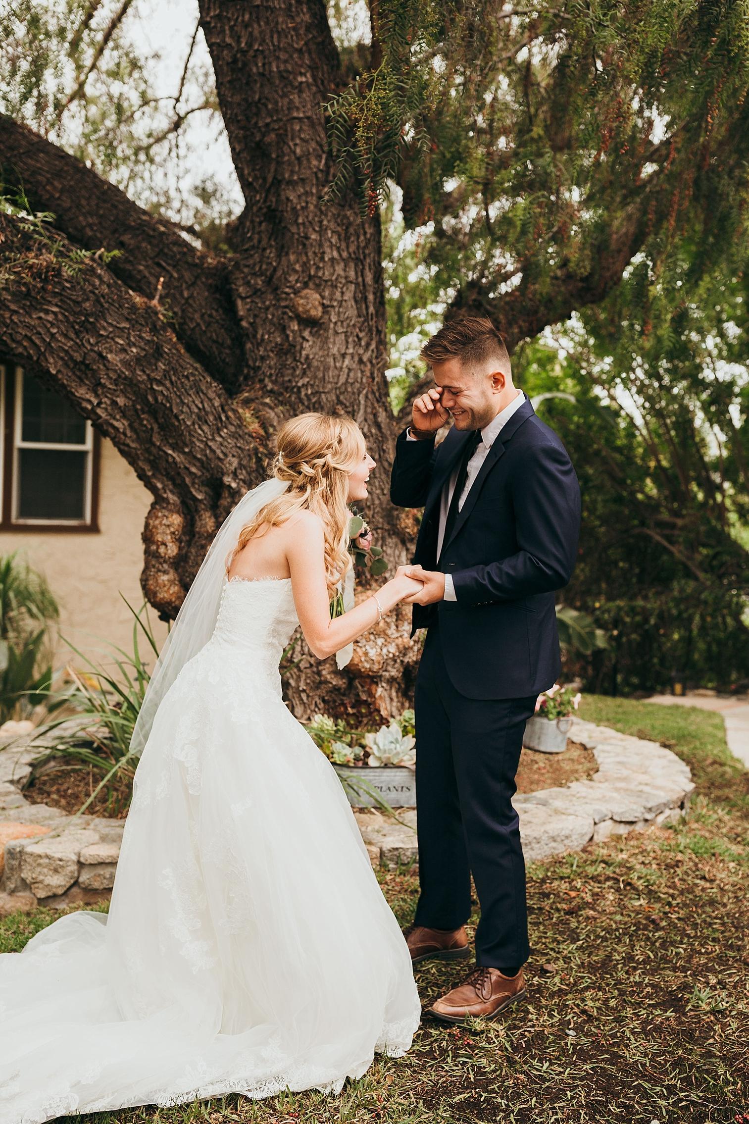 San-Diego-Backyard-Wedding_0015.jpg