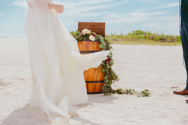 epic_postcard_inn_wedding_florida_027.jpg