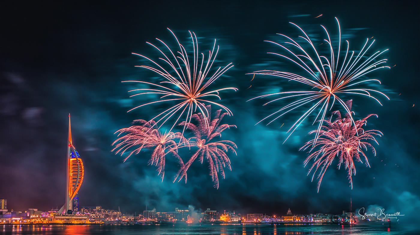 Gunwarf Fireworks III.JPG