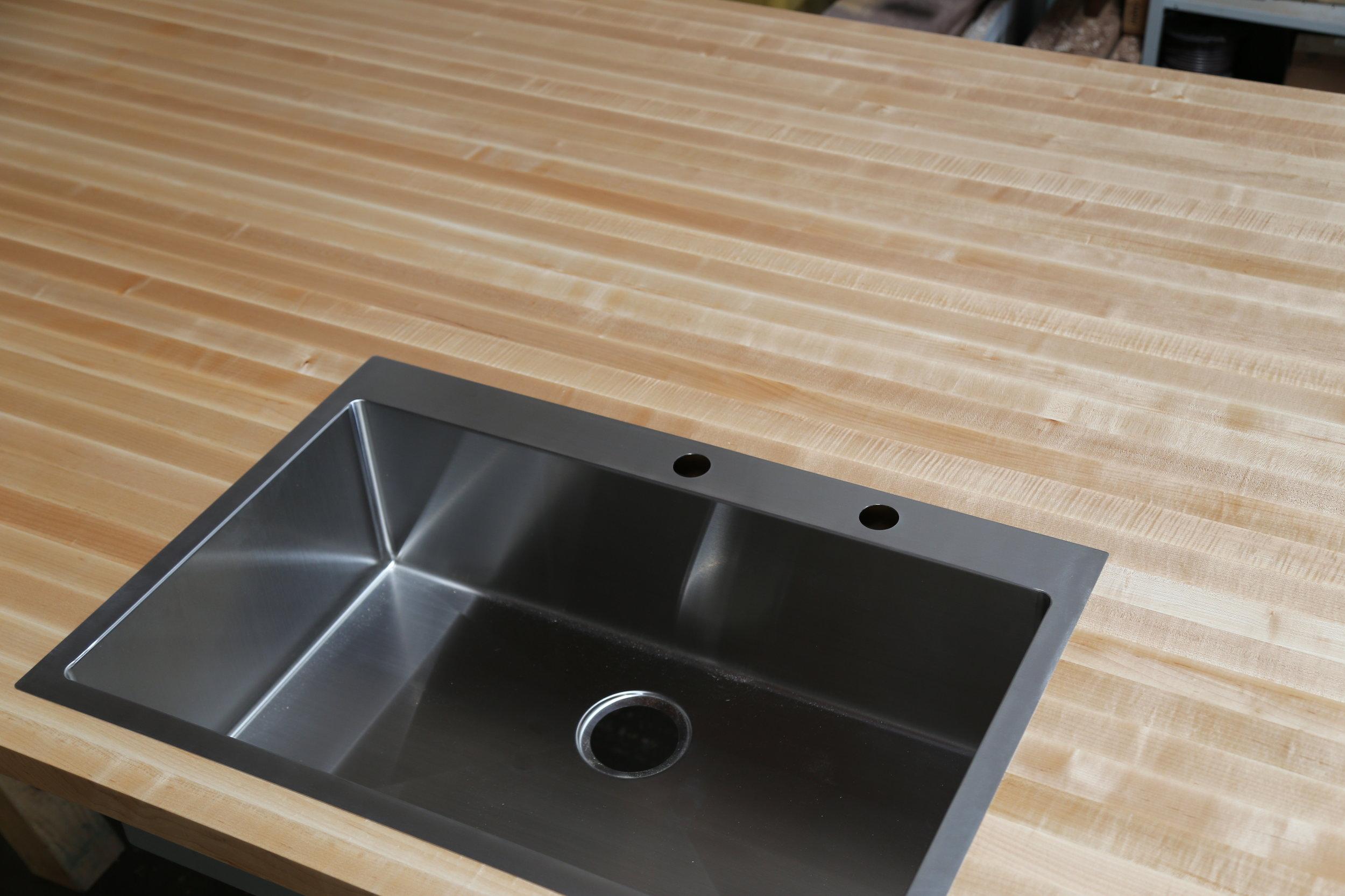 Maple Edge Grain with Sink Cutout