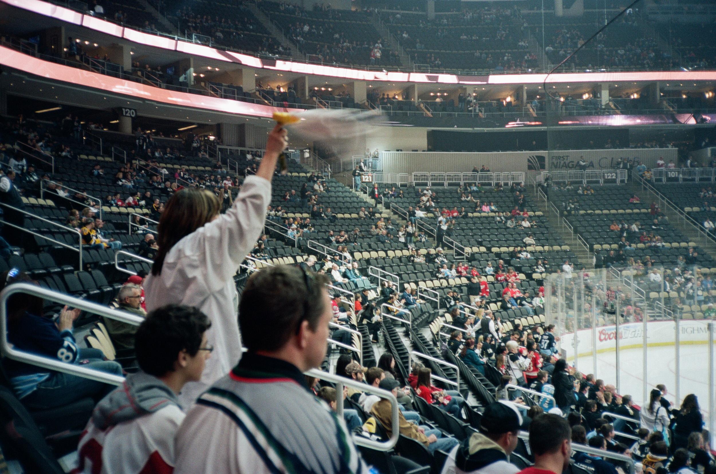 Hockey-Night-In-Pittsburgh-Film-Photography-Karlsson-011.jpg