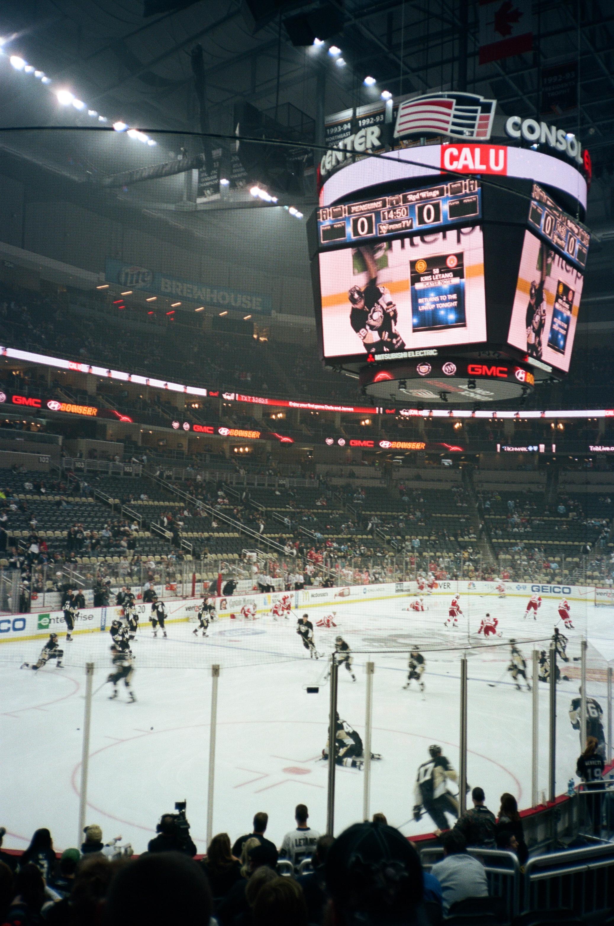 Hockey-Night-In-Pittsburgh-Film-Photography-Karlsson-013.jpg