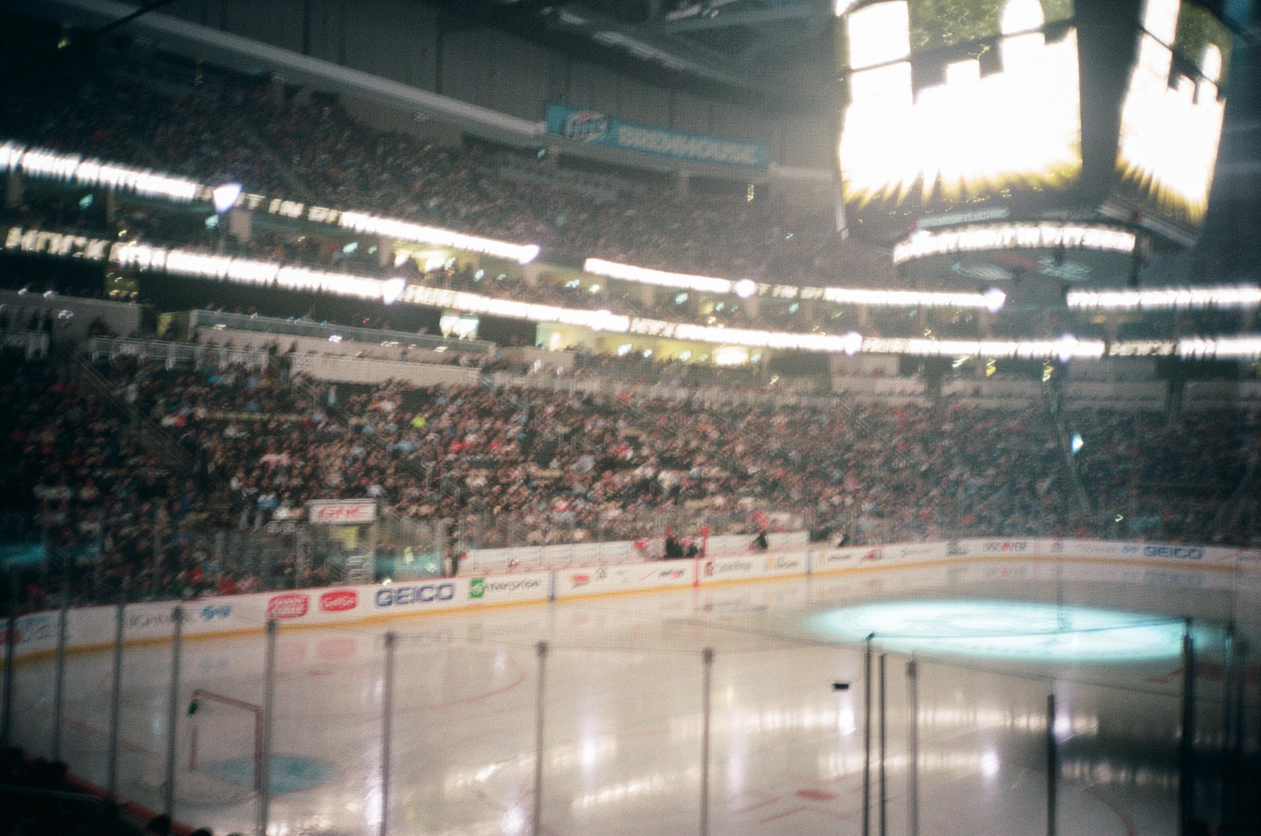 Hockey-Night-In-Pittsburgh-Film-Photography-Karlsson-022.jpg