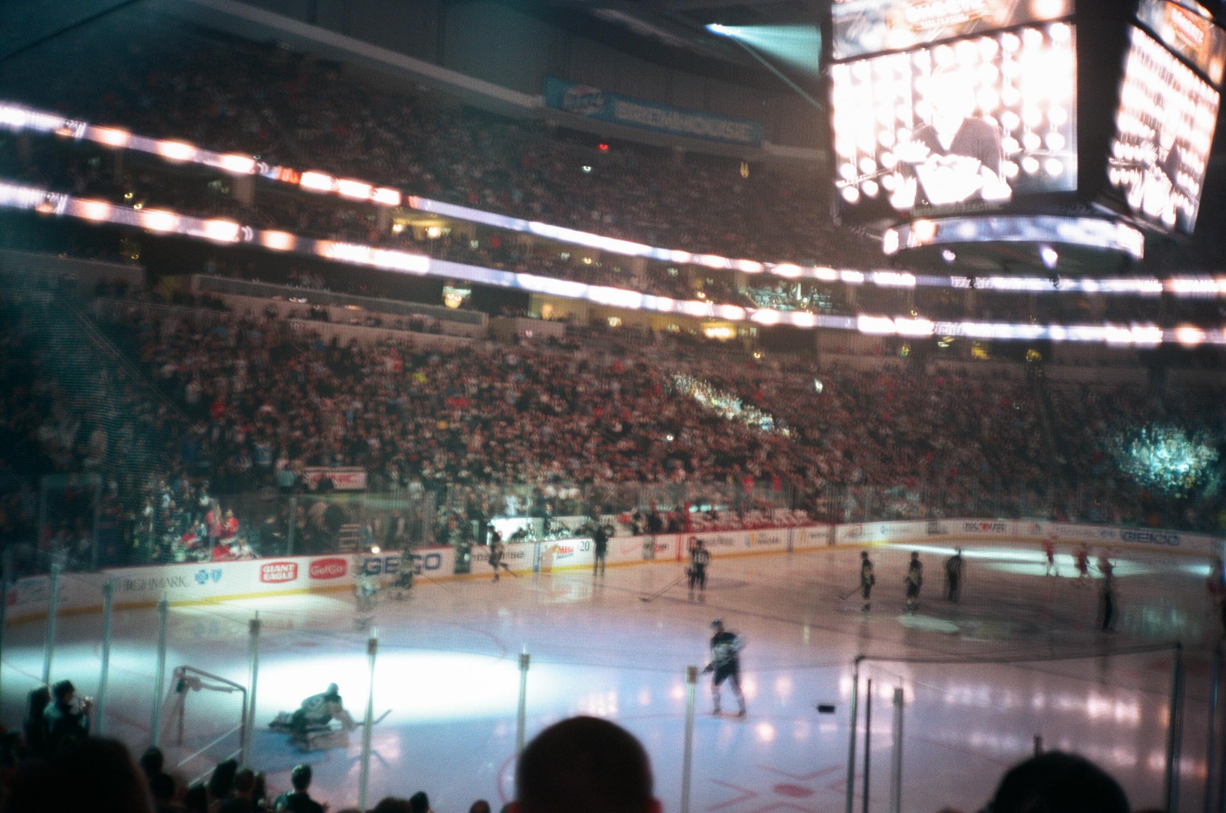 Hockey-Night-In-Pittsburgh-Film-Photography-Karlsson-026.jpg