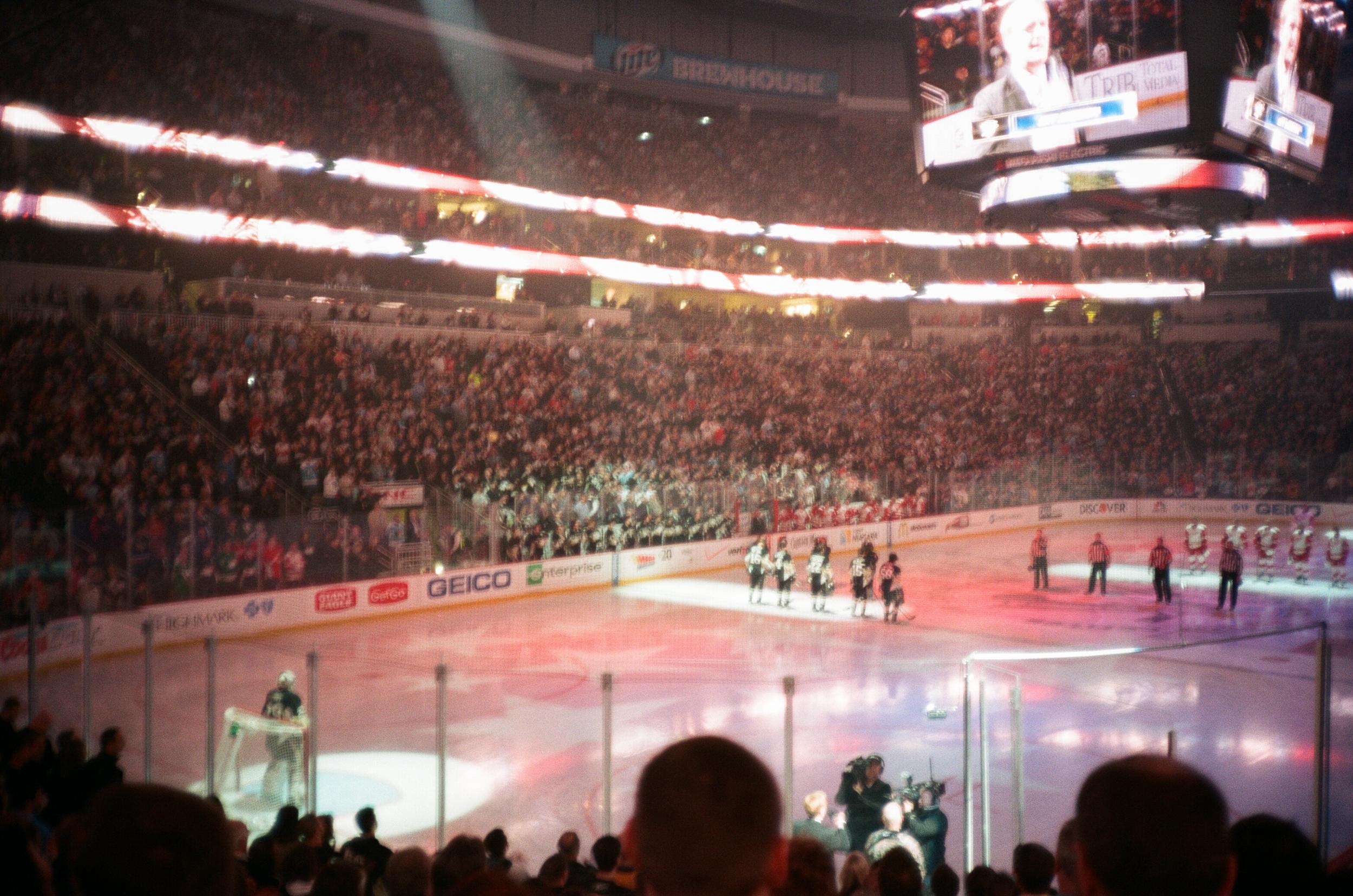 Hockey-Night-In-Pittsburgh-Film-Photography-Karlsson-028.jpg