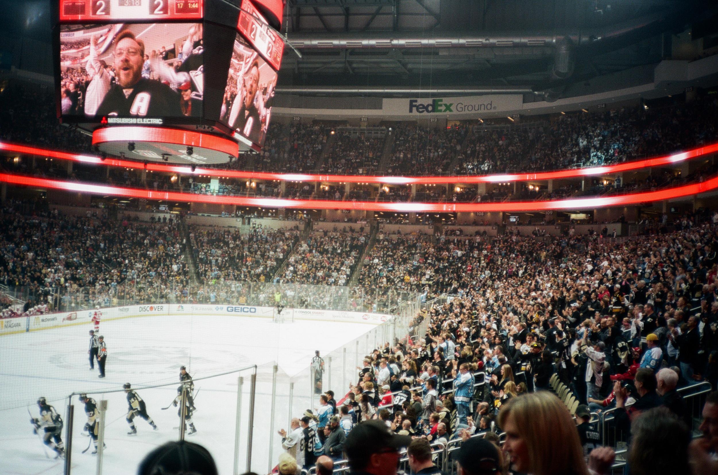 Hockey-Night-In-Pittsburgh-Film-Photography-Karlsson-035.jpg
