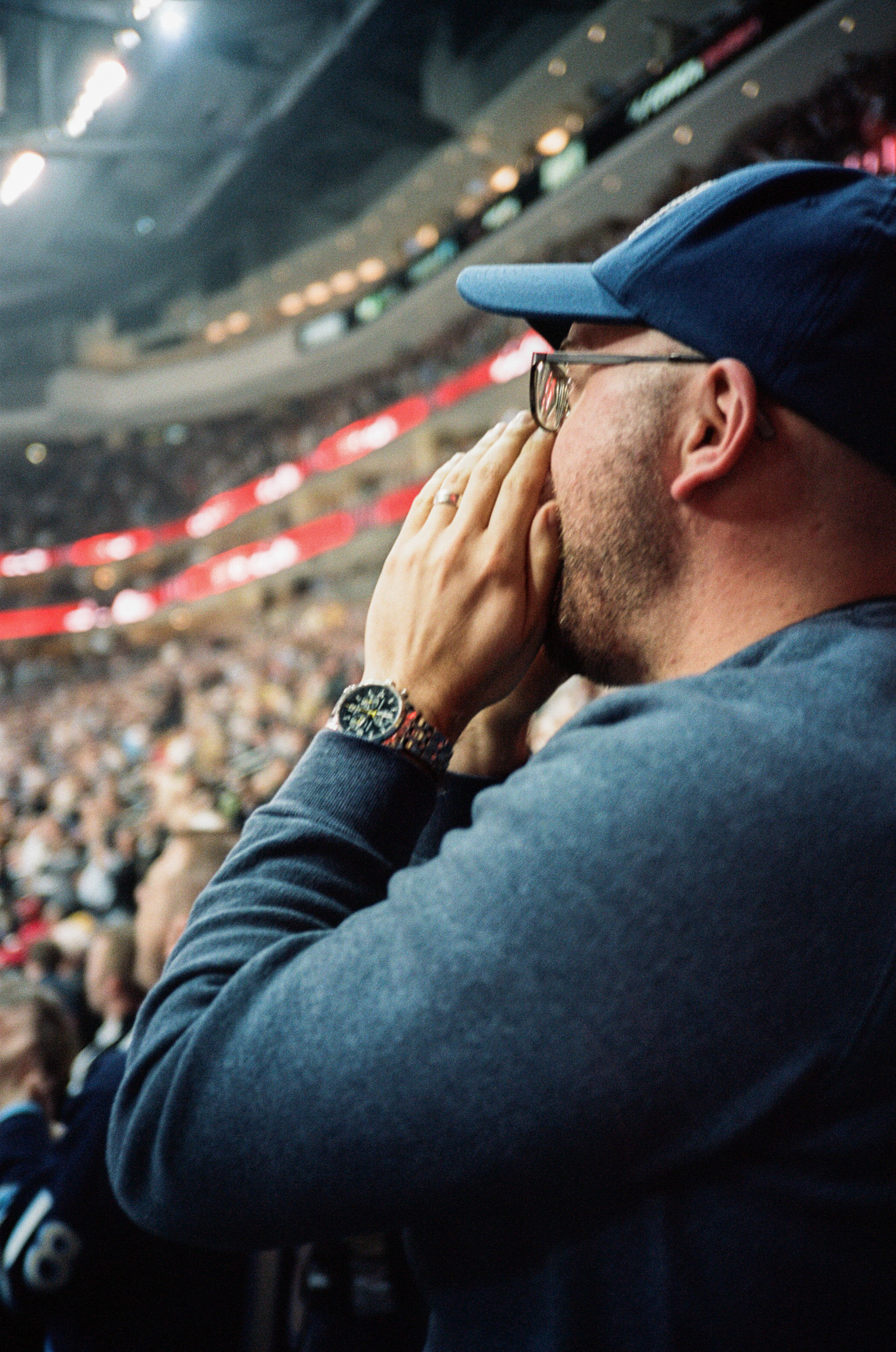 Hockey-Night-In-Pittsburgh-Film-Photography-Karlsson-038.jpg