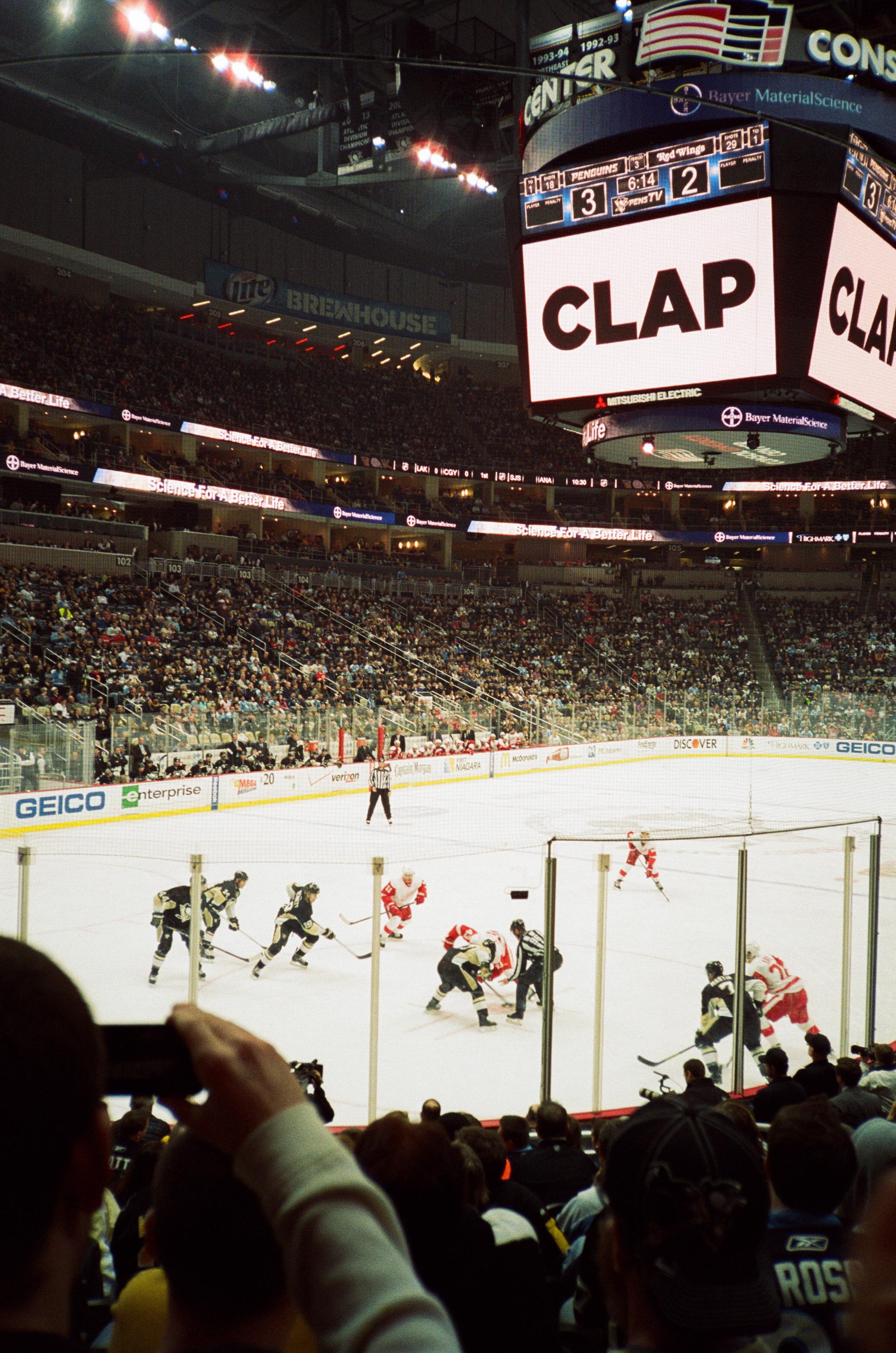 Hockey-Night-In-Pittsburgh-Film-Photography-Karlsson-052.jpg