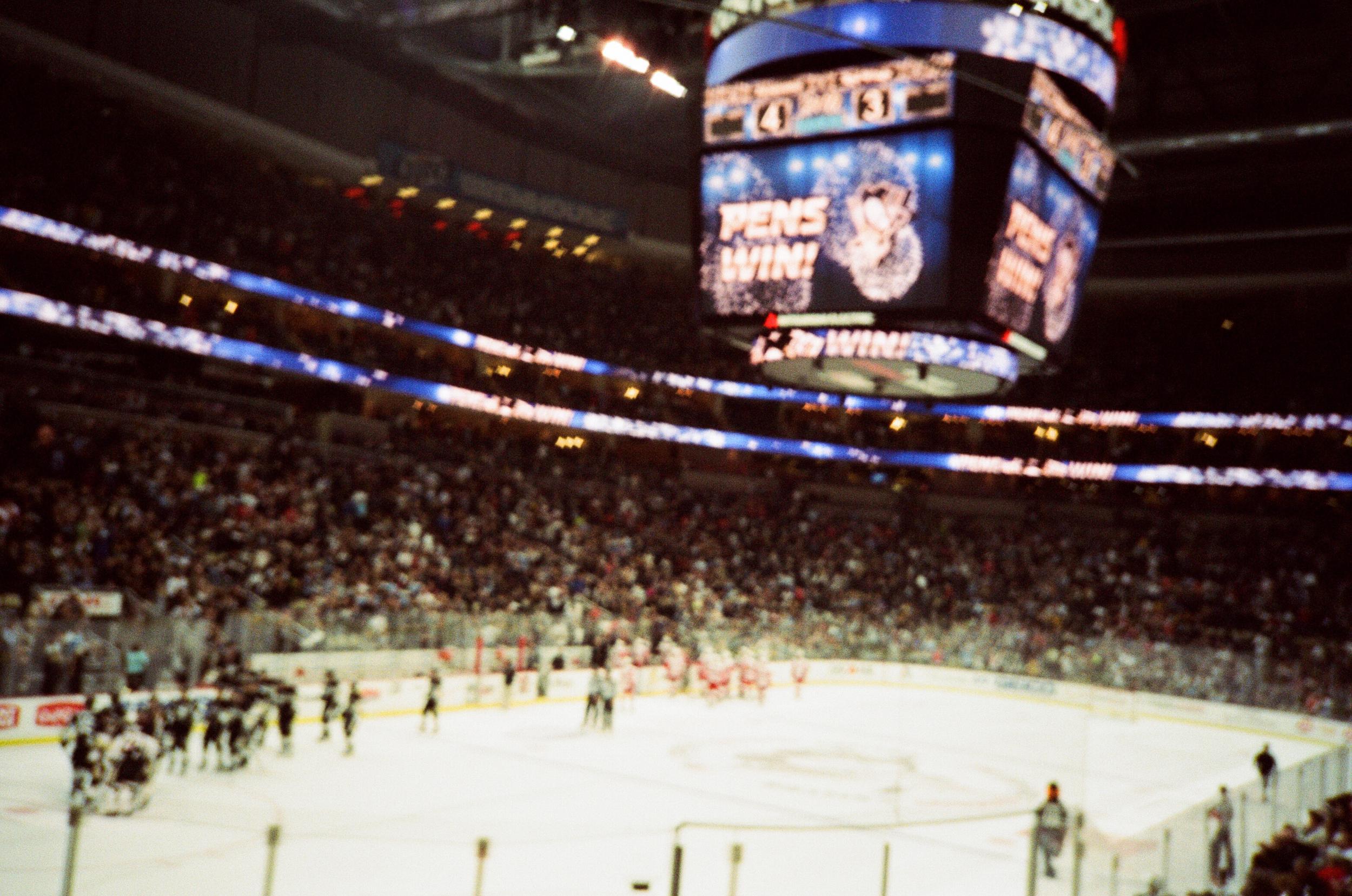 Hockey-Night-In-Pittsburgh-Film-Photography-Karlsson-068.jpg