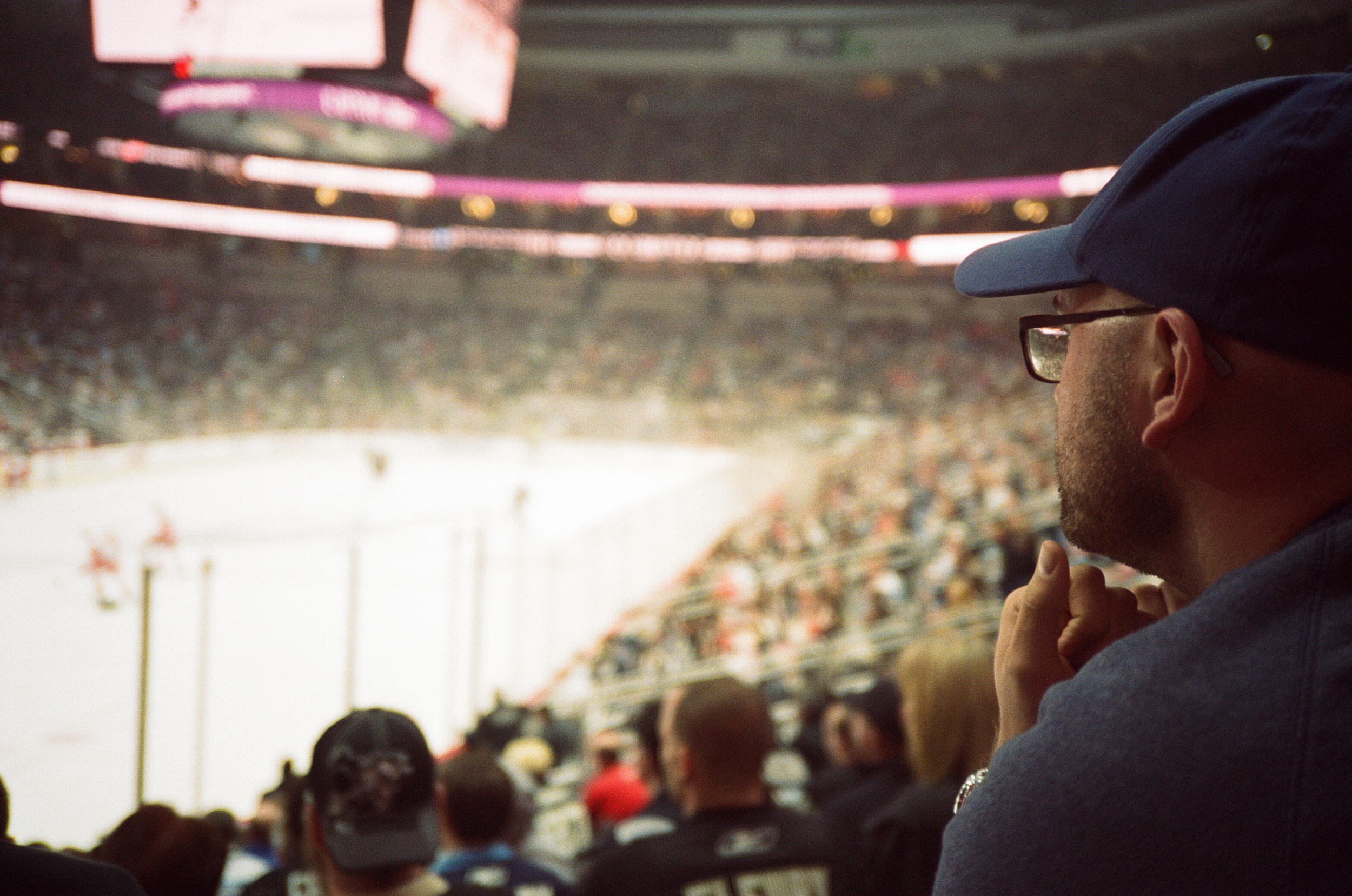 Hockey-Night-In-Pittsburgh-Film-Photography-Karlsson-043.jpg