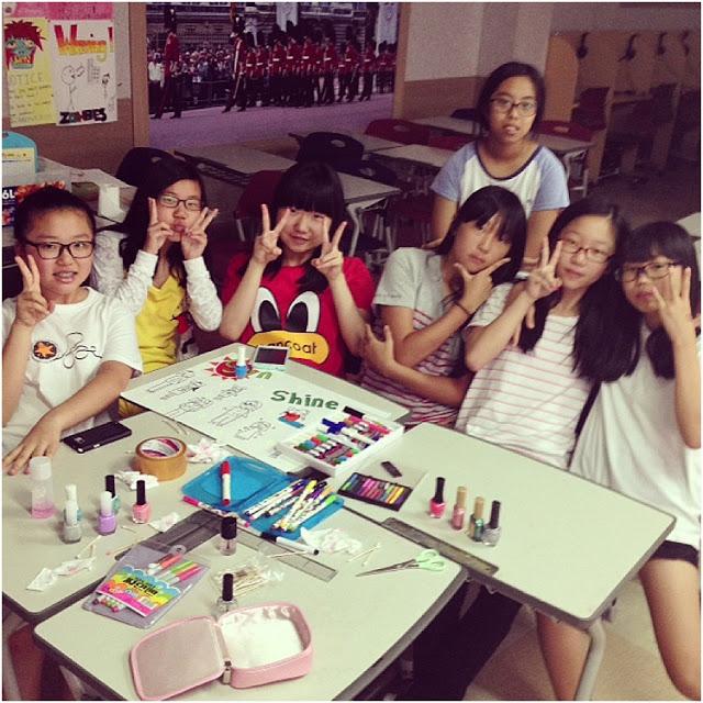 TeachingMiddleSchoolGirlsEnglishSouthKorea_0055.jpg