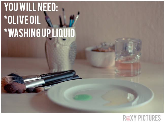 Howtocleanmakeupbrushes-RoxyPictures1.jpg