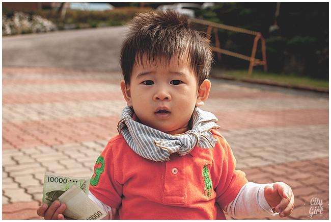 CityGirlSearchingMiddleSchoolSouthKorea_0013.jpg