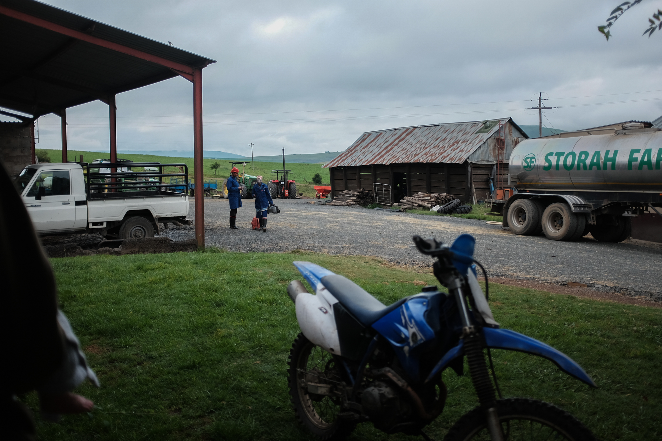Farm Drives With Everly (3 of 8).jpg