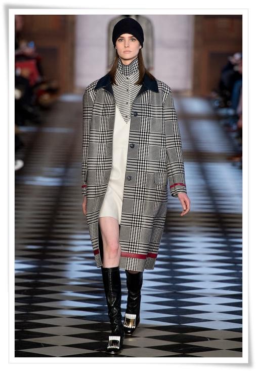 tommy-hilfiger-plaid-coat-fall-2013-a.JPG