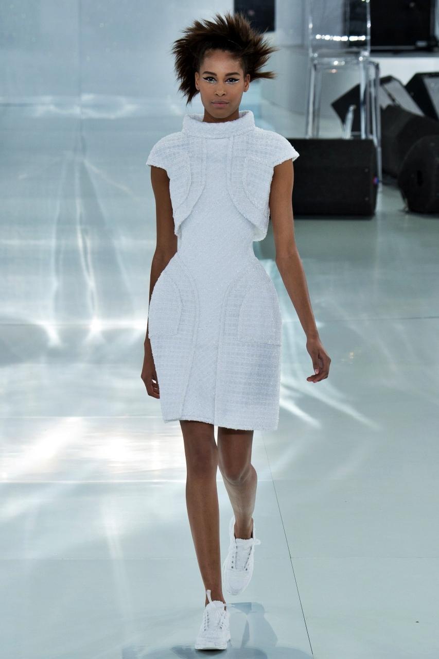 Paris-Haute-Couture-Spring-2014-Chanel.jpg