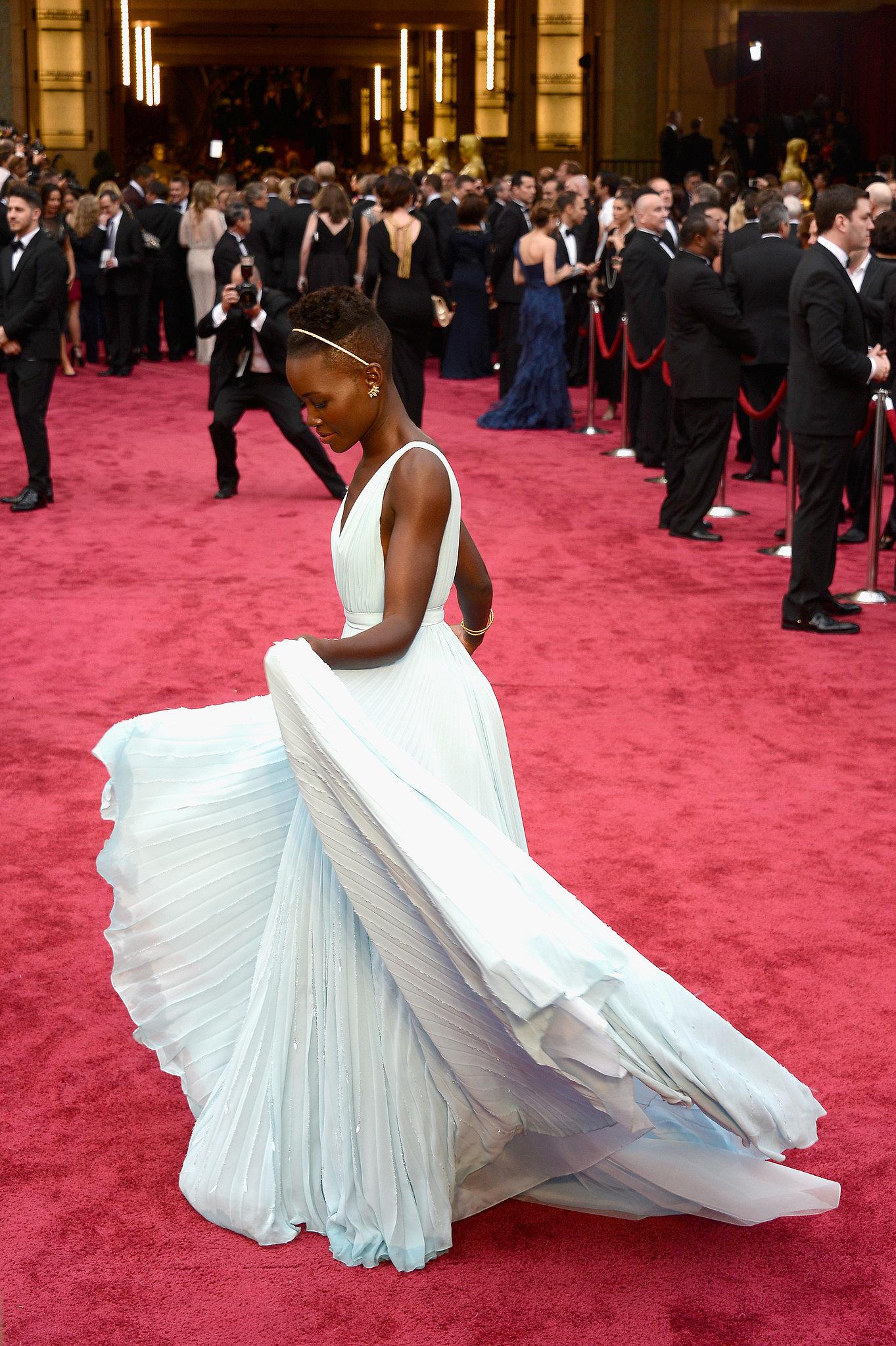 Lupita-Nyongo-Prada-Dress-Oscars-2014-03.jpg