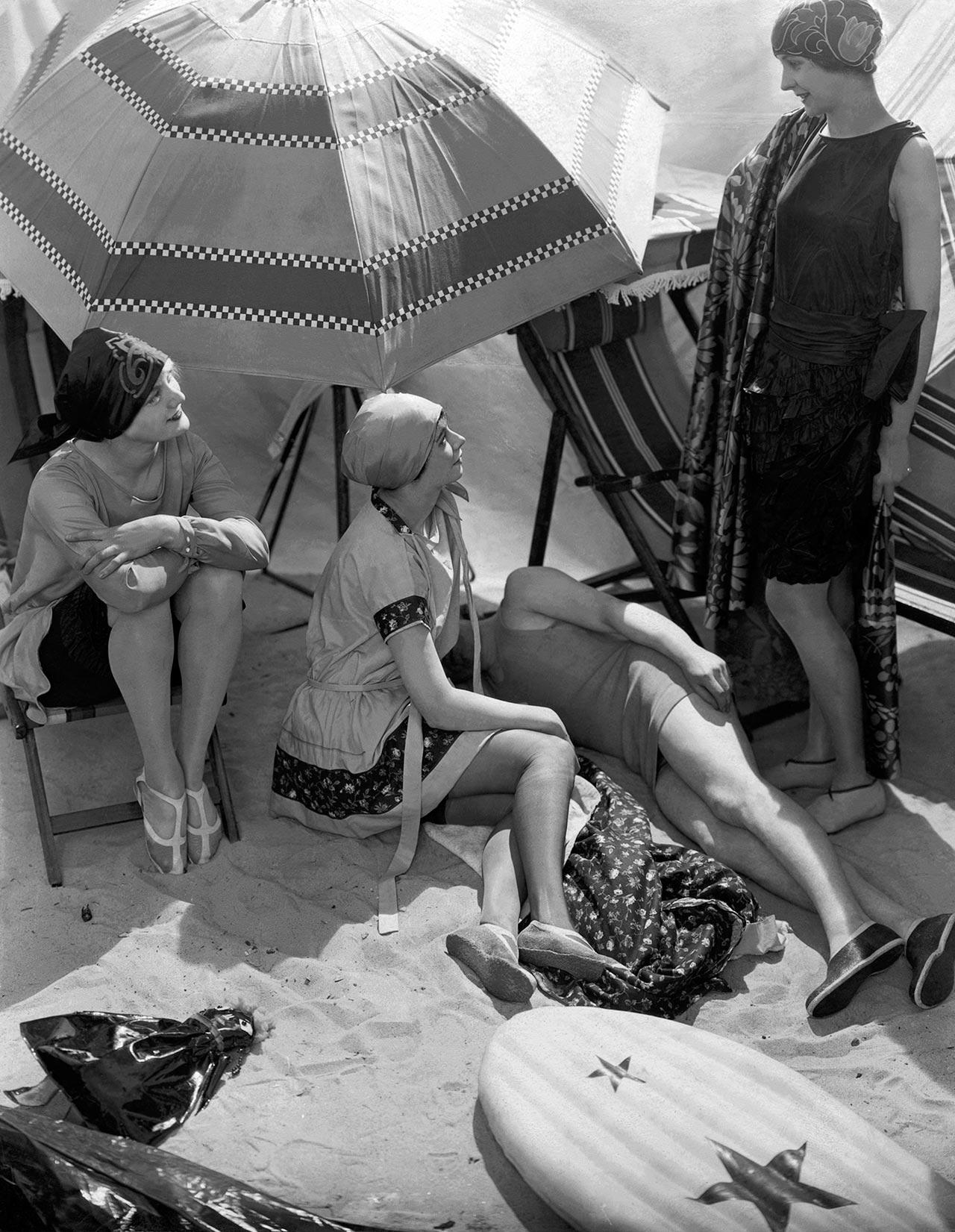 Beachwear circa 1925, photographed by Edward Steichen.