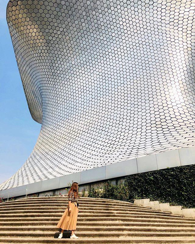 Soumaya. Art, inside and out ✨ . . . #museosoumaya #soumayamuseum #carlosslim #rodin #polanco #mexicocity #cdmx #mexico #art #architecture #building #design #travel #wanderlust #photooftheday #reportista