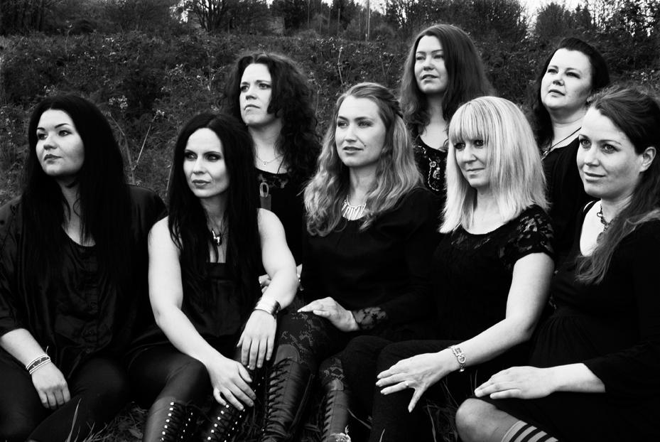 Vokalgruppen Dimmerar´yn från Hälsingland uppträder med showen Lucia i folktron. Foto:  Karin Wednesday Brodin