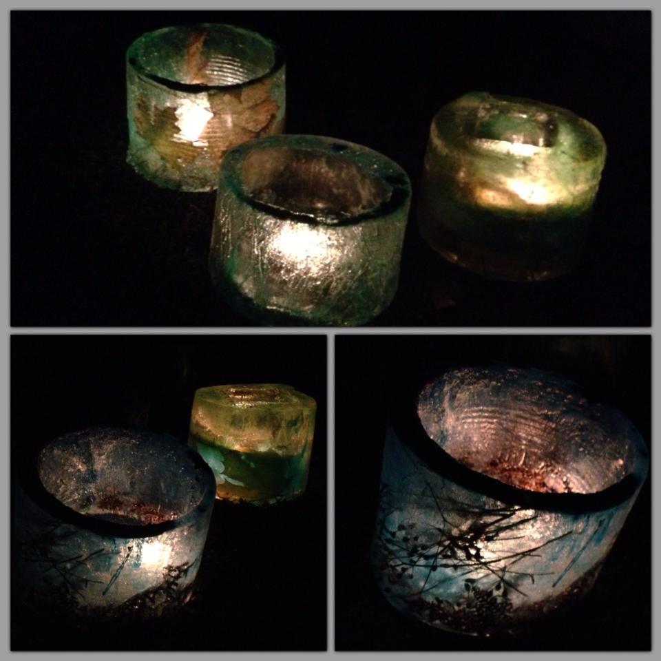 Vi testade att tända upp islyktorna en kylig höstkväll för att se hur dom lyser... så vackert!!