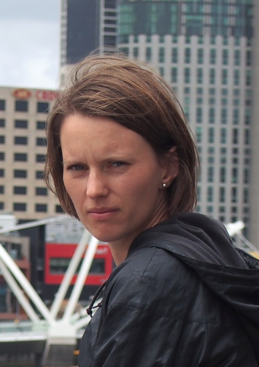 Mia Sjölund ställer ut läderhantverk på Midvinterglöd