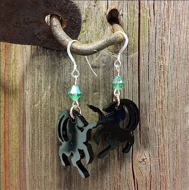 Helsingebock_earrings_black w green stone_silver.JPG