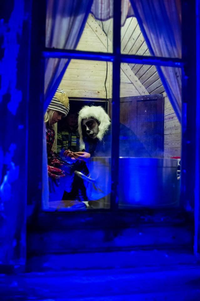 Lyckobjörnarna Tindra & Gnistra fick sitt eget lilla Lyckohus under Midvinterglöd. Foto: Phlippe Rendu