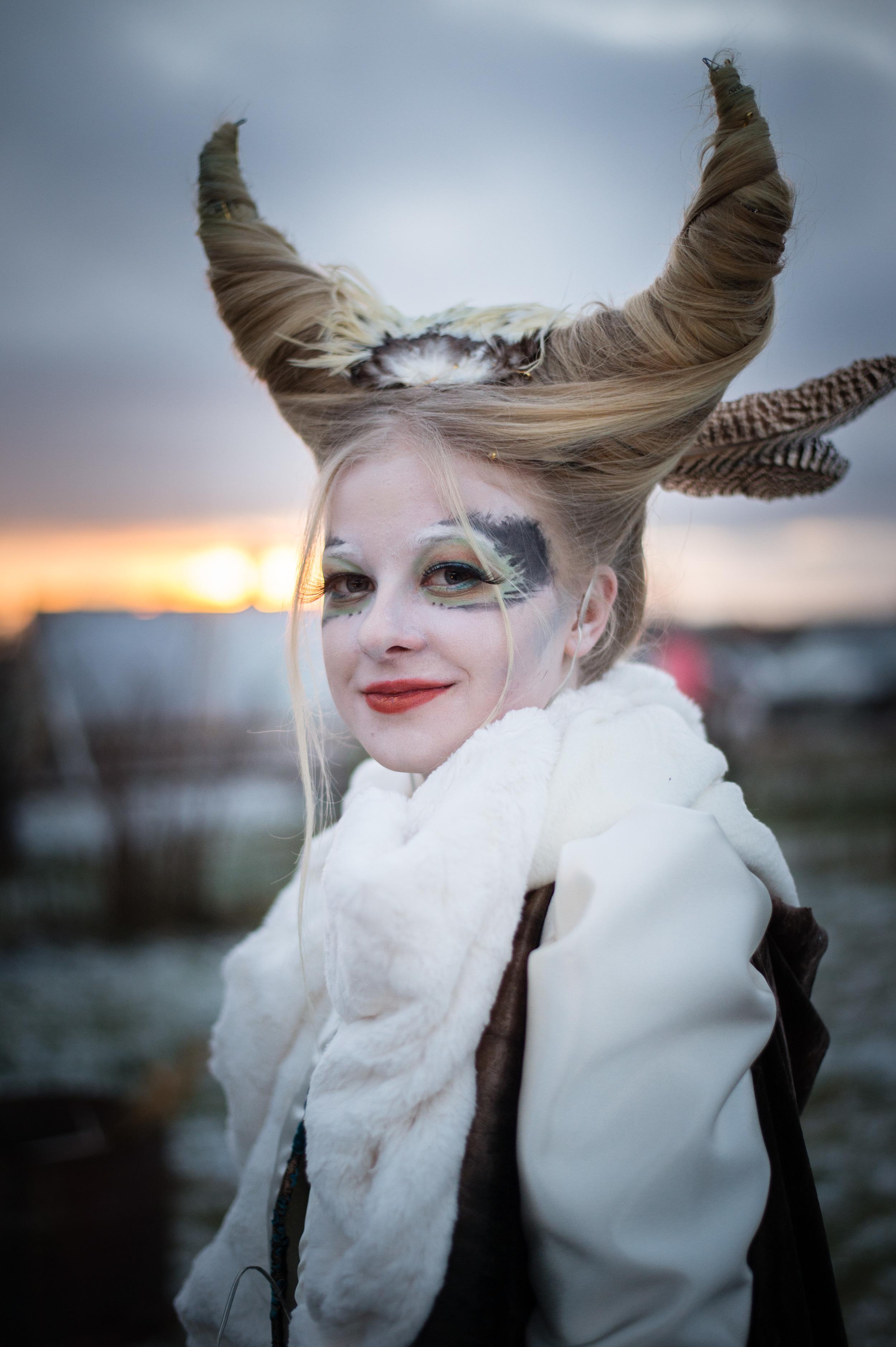 Tävlingsdeltagare i Midvinterglöds Makeup & Kostym-tävling 2014 med tema Vinterväsen. Foto:  Philippe Rendu