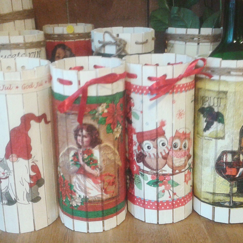 Marianne Munther medverkar på vår julmarknad där hon ställer ut sitt hantverk till försäljning.