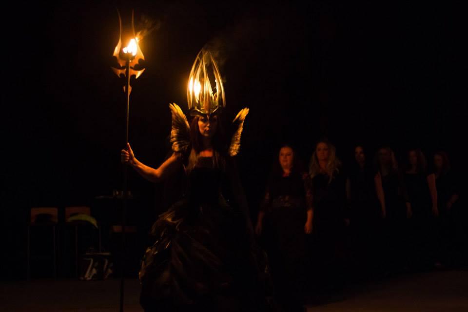 Showen lucia i folktron uppträdde på Landsbygdsriksdagen i Sandviken. Foto: Daniel Funseth
