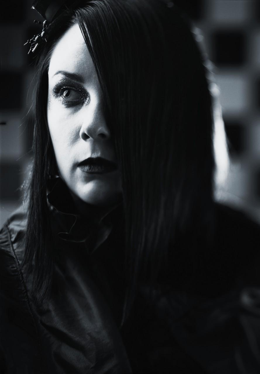 Karin Wednesday Brodin - Fotograf närvarar på Midvinterglöd 2012 i Jättendal.
