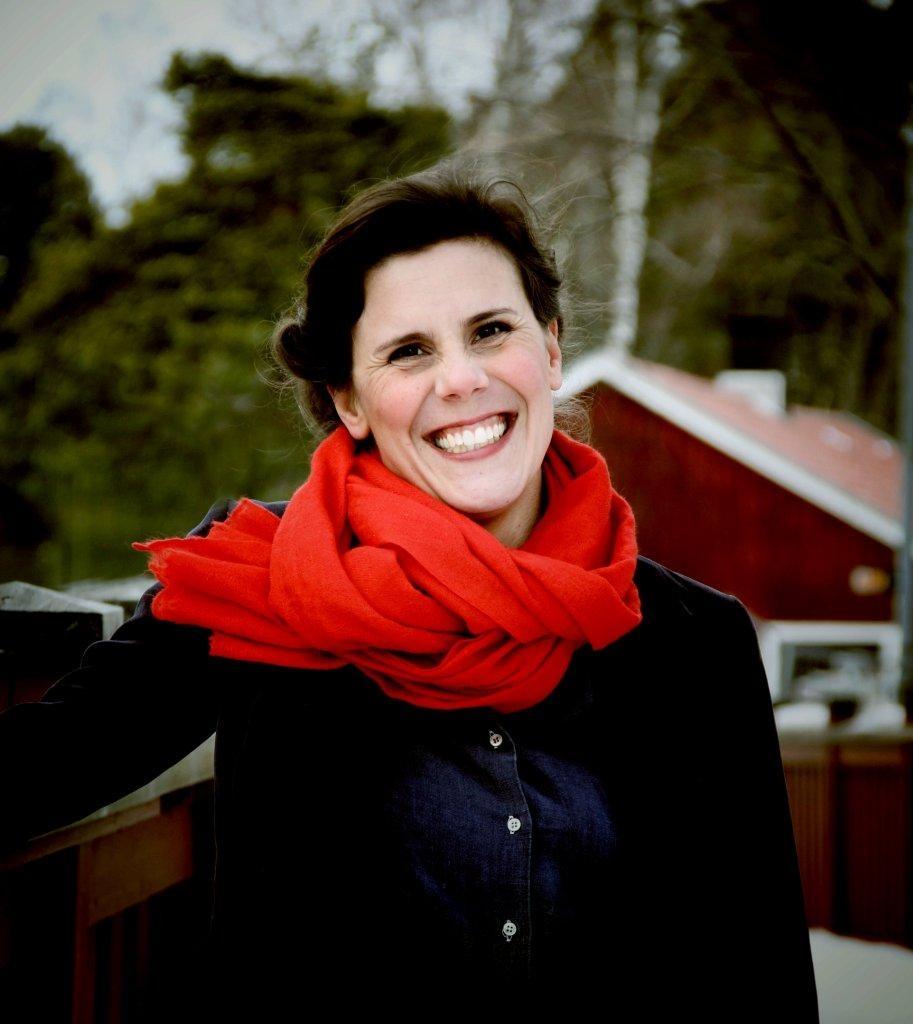 Metallformgivare Lina Lotta Lundberg medverkar på Midvinterglöd i Jättendal.