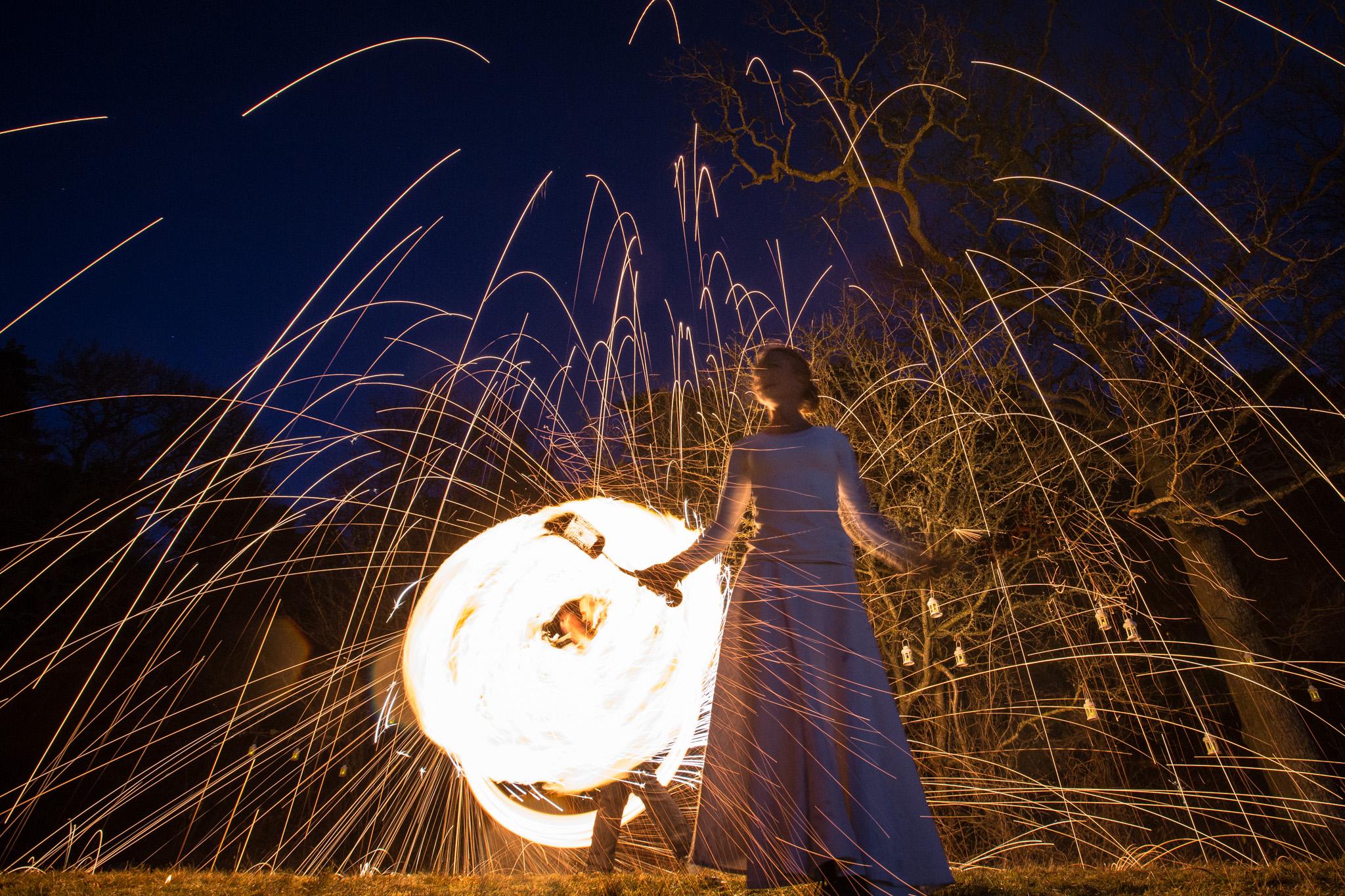 Illumina eldshow medverkar med sin fantastiska eldkonst på årets Midvinterglöd 10 december 2016