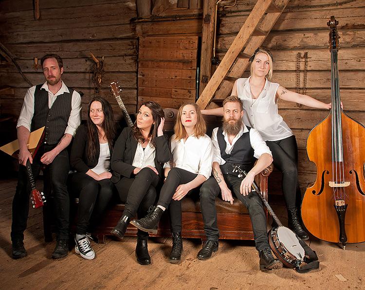 Berglundz Svänggäng är ett Torsåkersband med Katarina Borbos, Johanna Berglund, Ida Berglund, Sofia Larsson, Jimmy Petersson och Niclas Malmström.