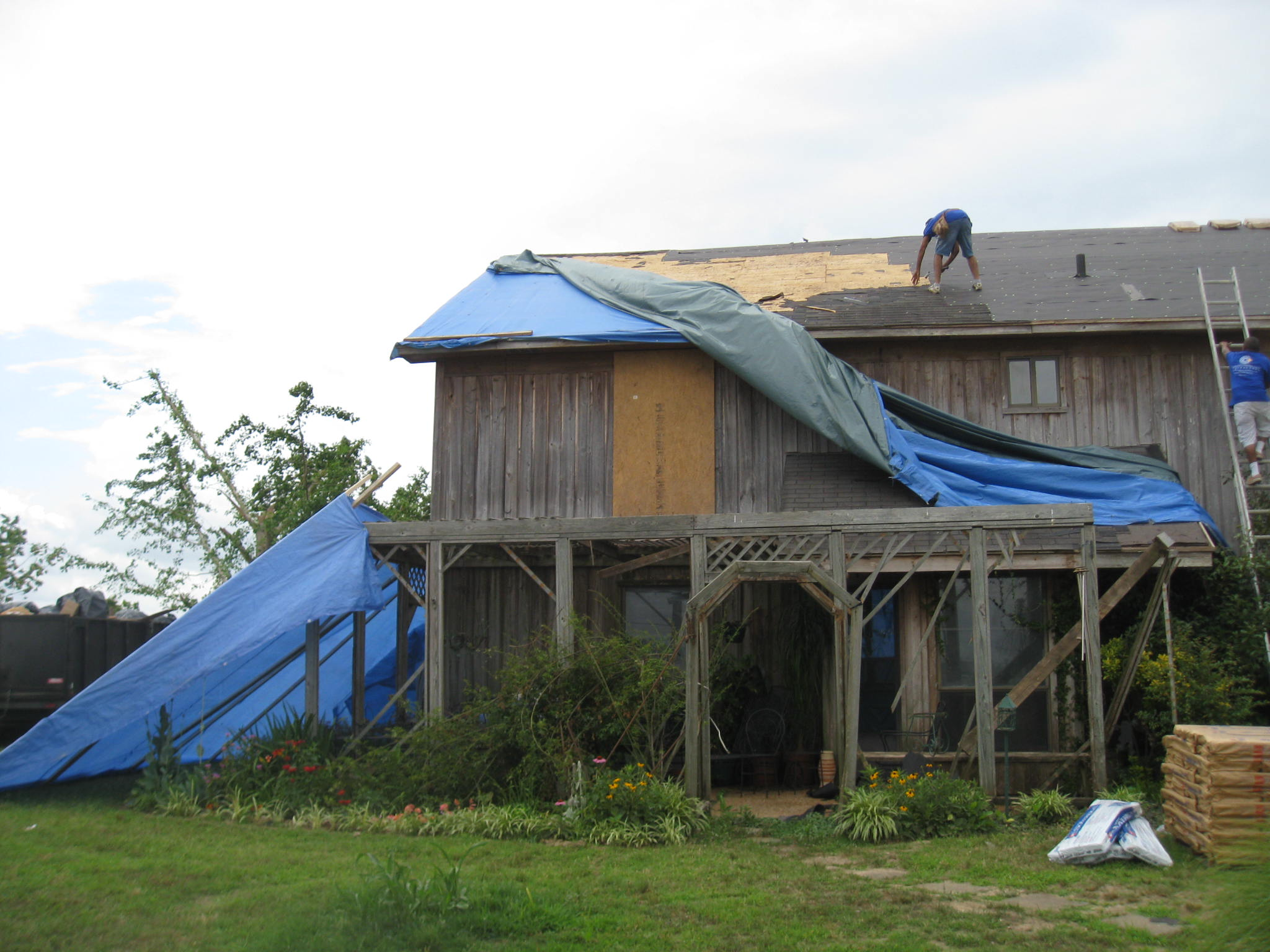 Tornado Damage 2    Mississippi